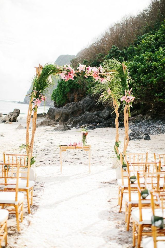 Chic-Beach-Wedding-Ceremony-Ideas